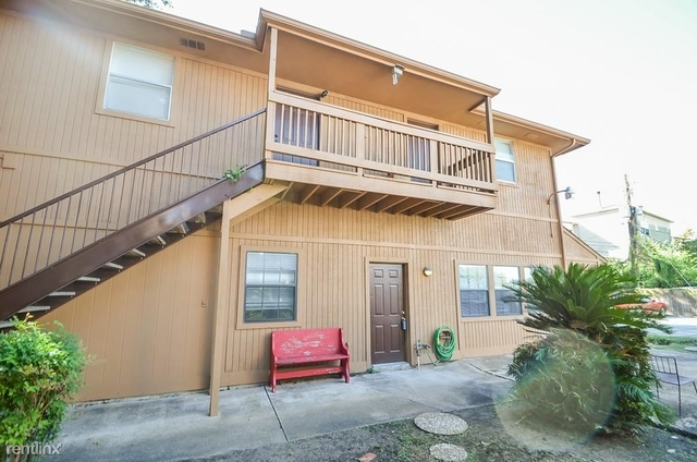 2 Bedrooms, Braeswood Rental in Houston for $900 - Photo 1