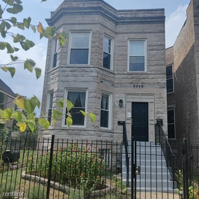2 Bedrooms, Englewood Rental in Chicago, IL for $1,100 - Photo 1