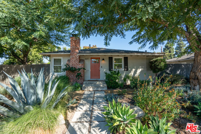 3 Bedrooms, Magnolia Park Rental in Los Angeles, CA for $3,900 - Photo 1