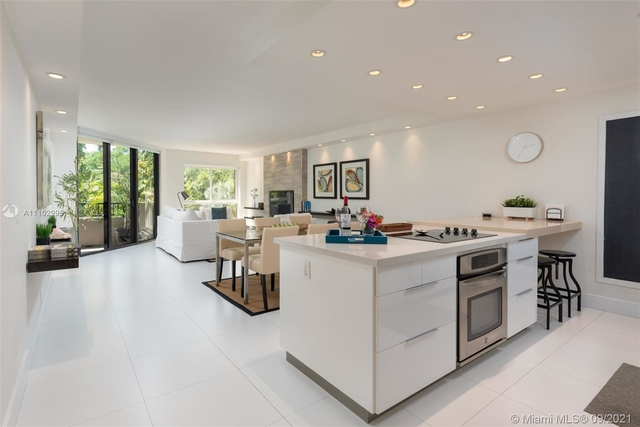 3 Bedrooms, Village of Key Biscayne Rental in Miami, FL for $6,900 - Photo 1