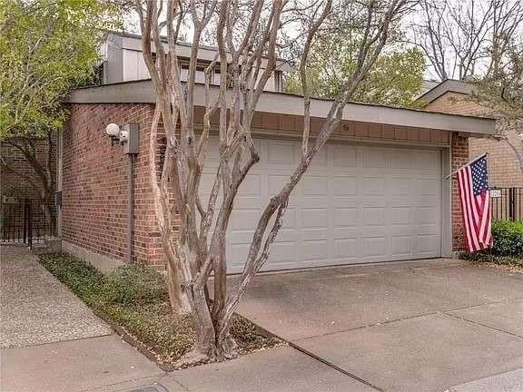 2 Bedrooms, Preston Square Town Homes Rental in Dallas for $2,600 - Photo 1