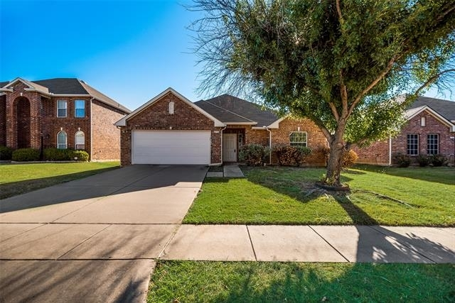 3 Bedrooms, Woodlake West Rental in Little Elm, TX for $2,000 - Photo 1