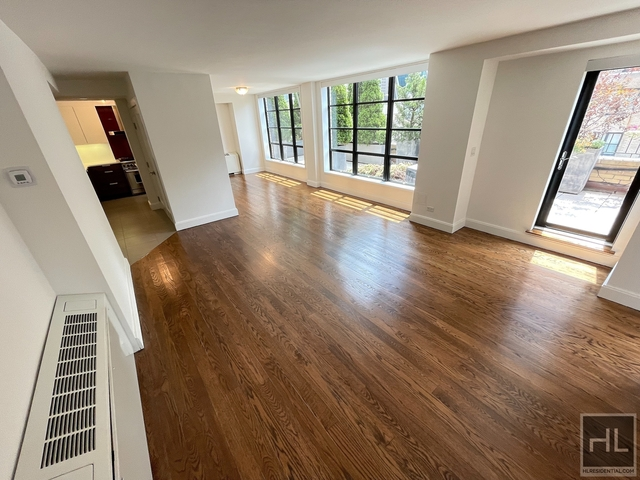 2 Bedrooms, Hell's Kitchen Rental in NYC for $8,122 - Photo 1