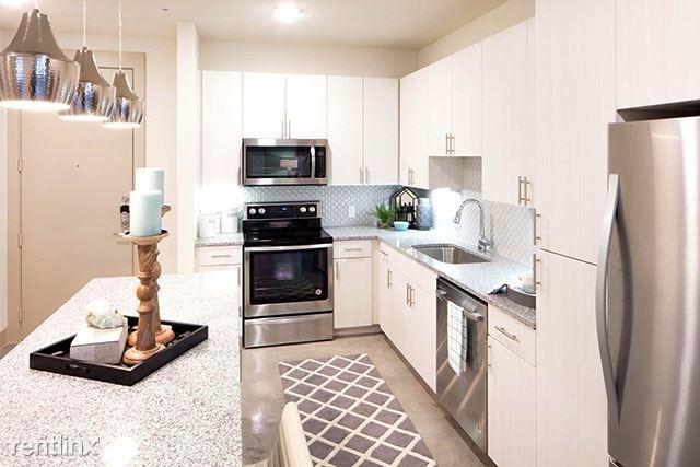 2 Bedrooms, Henderson Rental in Dallas for $1,873 - Photo 1