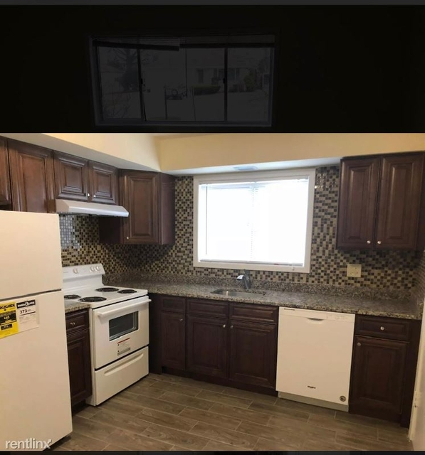 2 Bedrooms, Park Ridge Rental in Chicago, IL for $1,400 - Photo 1