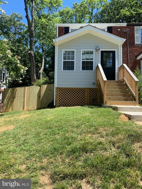 2 Bedrooms, Groveton Rental in Washington, DC for $2,700 - Photo 1
