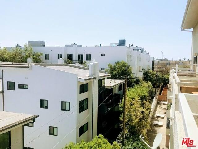 2 Bedrooms, Westwood Rental in Los Angeles, CA for $2,700 - Photo 1