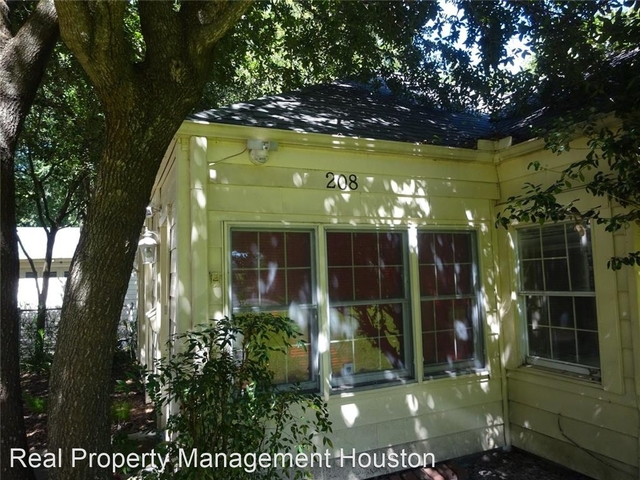 2 Bedrooms, Garden Oaks Rental in Houston for $1,700 - Photo 1