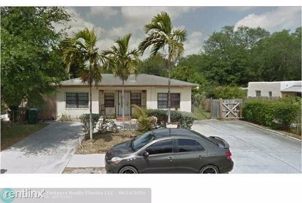 4 Bedrooms, Fulford Highlands Rental in Miami, FL for $2,660 - Photo 1