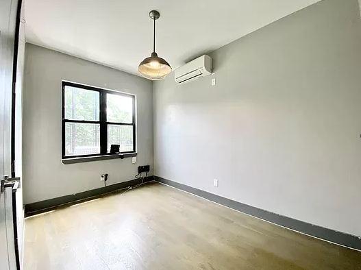 4 Bedrooms, Ridgewood Rental in NYC for $3,300 - Photo 1