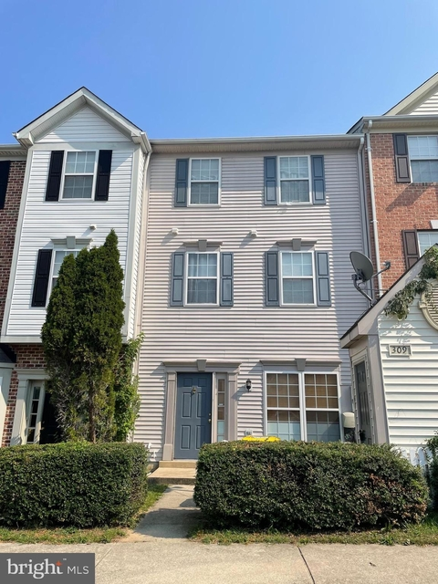 3 Bedrooms, Severn Rental in Baltimore, MD for $1,850 - Photo 1