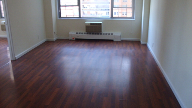 2 Bedrooms, Forest Hills Rental in NYC for $3,020 - Photo 1