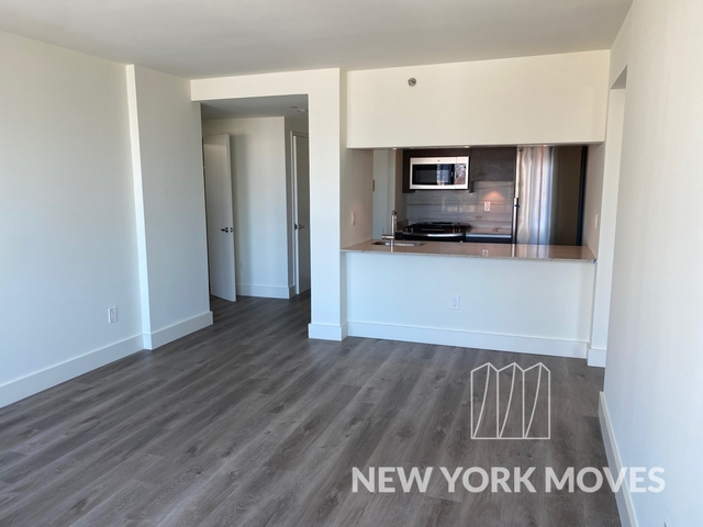3 Bedrooms, Chelsea Rental in NYC for $6,705 - Photo 1