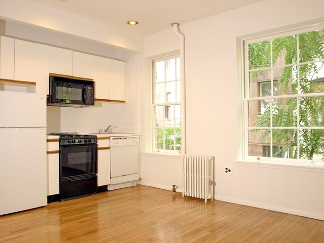 2 Bedrooms, Yorkville Rental in NYC for $3,075 - Photo 1