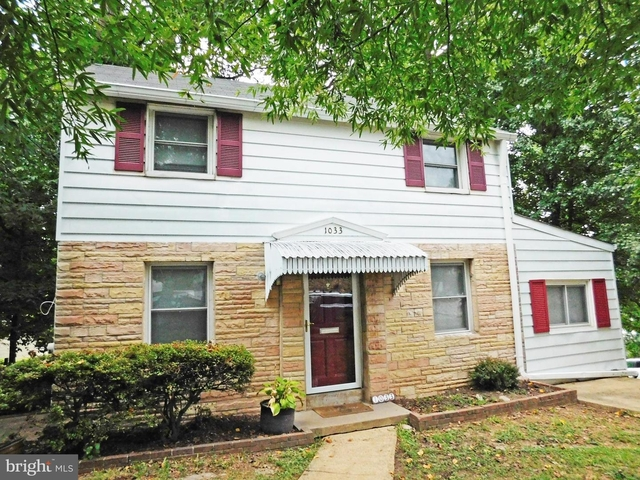 2 Bedrooms, Columbia Forest Rental in Washington, DC for $2,200 - Photo 1