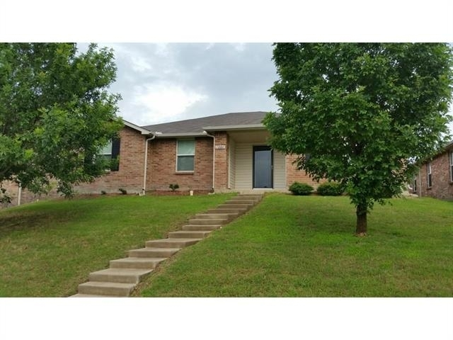 3 Bedrooms, Hills at Tealwood Rental in Dallas for $1,950 - Photo 1