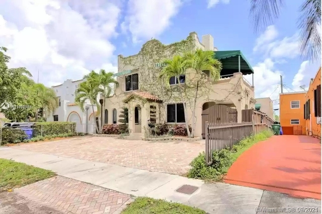 4 Bedrooms, Coral Way Rental in Miami, FL for $4,500 - Photo 1