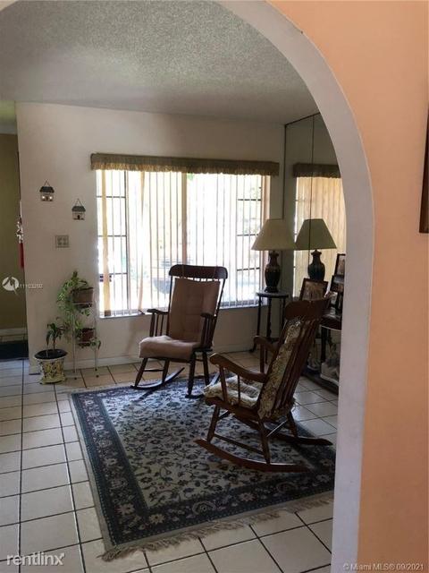 3 Bedrooms, Rosmont Rental in Miami, FL for $3,200 - Photo 1
