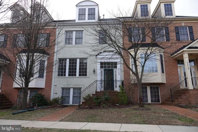 4 Bedrooms, King Farm Rental in Washington, DC for $3,400 - Photo 1