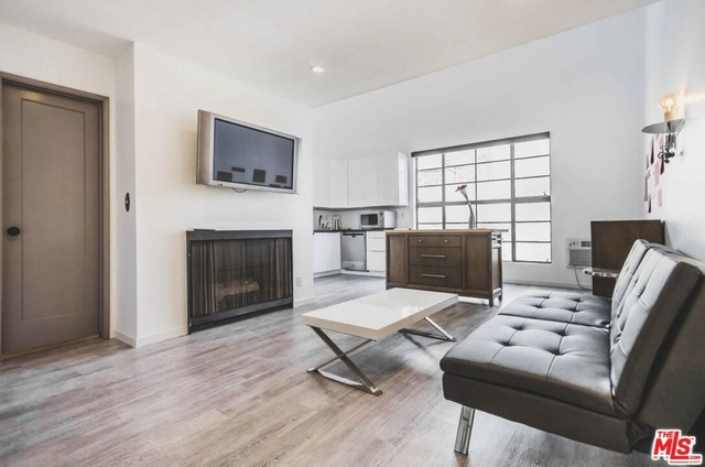 1 Bedroom, Brentwood Rental in Los Angeles, CA for $3,000 - Photo 1