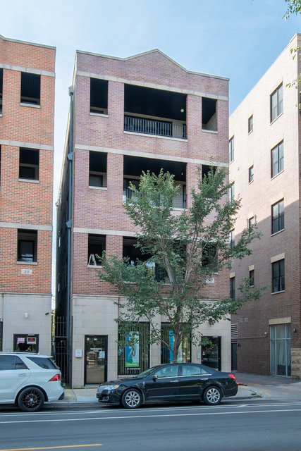 2 Bedrooms, The Gap Rental in Chicago, IL for $2,000 - Photo 1
