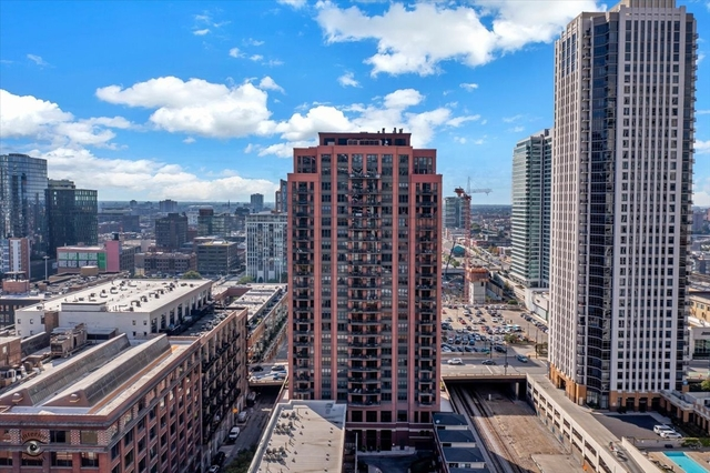 2 Bedrooms, Fulton River District Rental in Chicago, IL for $3,300 - Photo 1