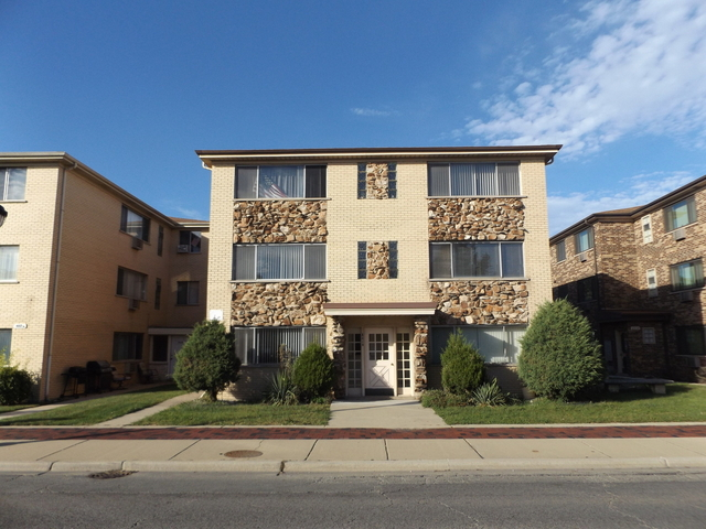 2 Bedrooms, River Grove Rental in Chicago, IL for $1,200 - Photo 1