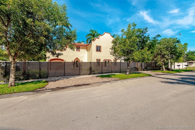 4 Bedrooms, Whistling Pines Creek Rental in Miami, FL for $5,200 - Photo 1