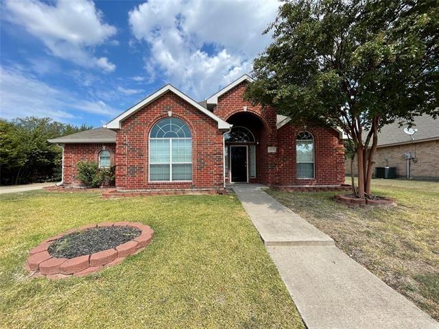 3 Bedrooms, Mockingbird Estates Rental in Dallas for $2,420 - Photo 1