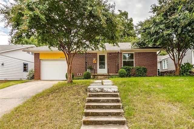 2 Bedrooms, Queensboro Rental in Dallas for $2,000 - Photo 1