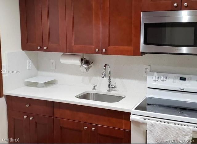 2 Bedrooms, Omni at The California Club Rental in Miami, FL for $1,800 - Photo 1