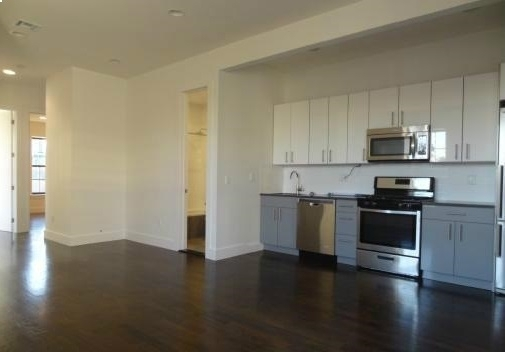 4 Bedrooms, Bushwick Rental in NYC for $3,850 - Photo 1