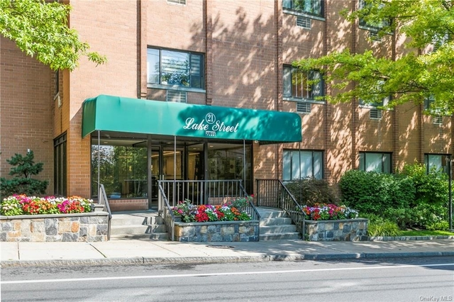 1 Bedroom, White Plains Rental in  for $2,550 - Photo 1