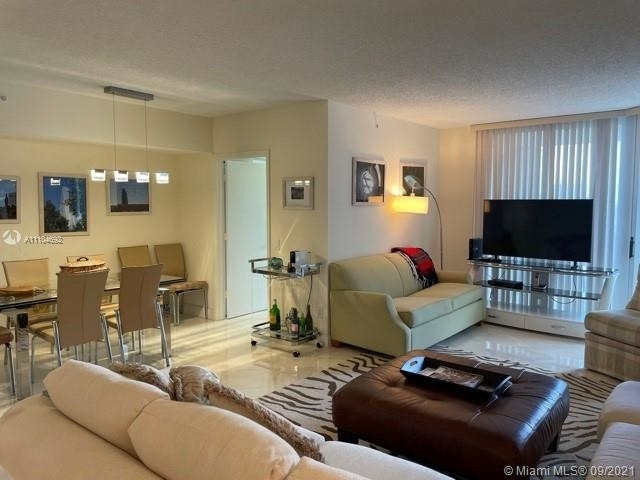 3 Bedrooms, The Point at The Waterways Rental in Miami, FL for $4,700 - Photo 1