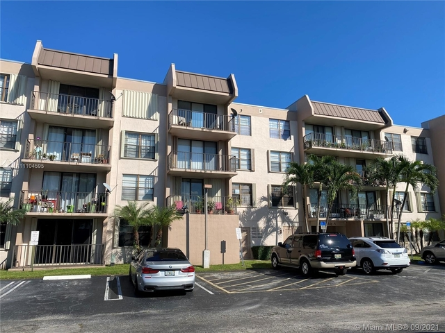 2 Bedrooms, Briarwinds Rental in Miami, FL for $1,800 - Photo 1
