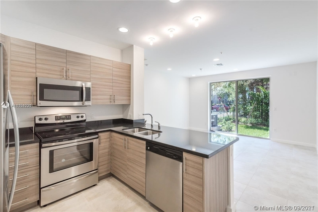 3 Bedrooms, Hampton Park Rental in Miami, FL for $2,800 - Photo 1