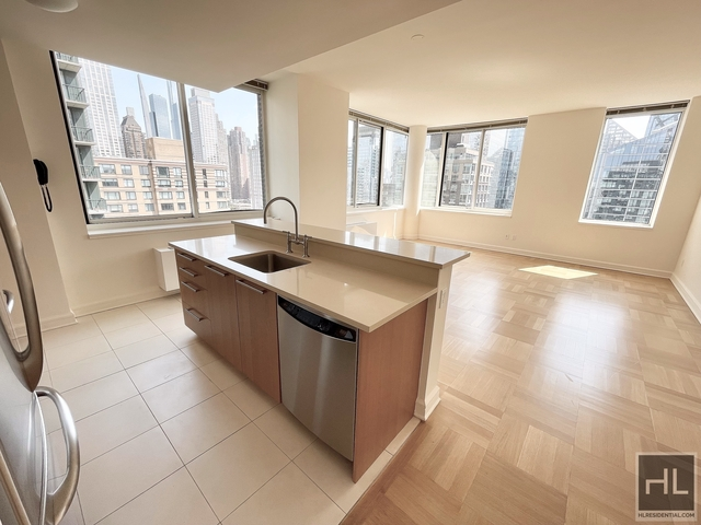 2 Bedrooms, Lincoln Square Rental in NYC for $8,115 - Photo 1