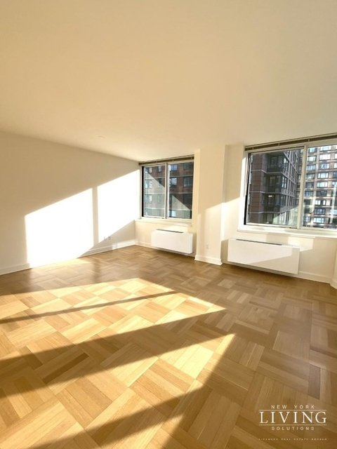 2 Bedrooms, Lincoln Square Rental in NYC for $8,030 - Photo 1
