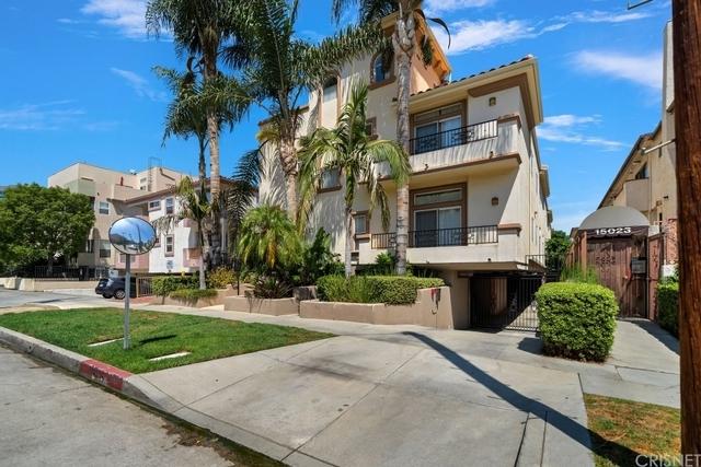 3 Bedrooms, Sherman Oaks Rental in Los Angeles, CA for $5,195 - Photo 1
