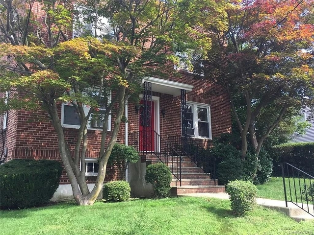 2 Bedrooms, White Plains Rental in  for $2,100 - Photo 1