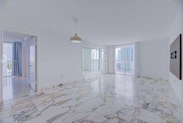 2 Bedrooms, Harbor Island Rental in Miami, FL for $2,600 - Photo 1