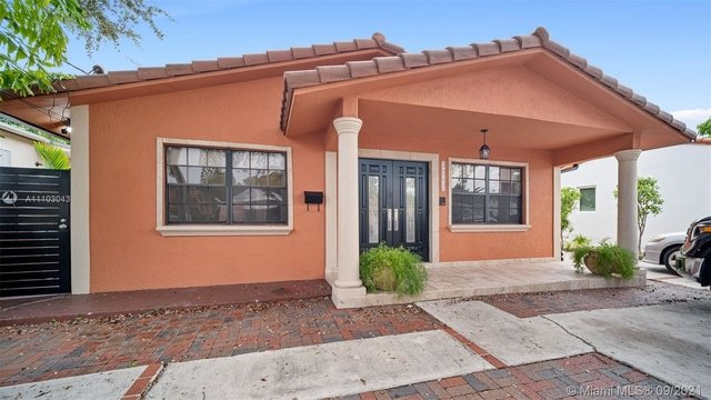 3 Bedrooms, Lyndale Rental in Miami, FL for $3,000 - Photo 1