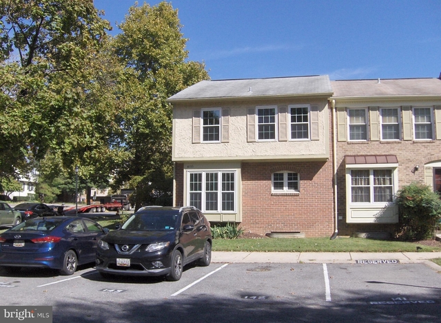 4 Bedrooms, Rossmoor Rental in Washington, DC for $2,600 - Photo 1