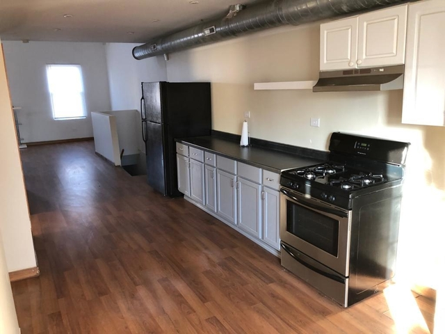 2 Bedrooms, West Humboldt Park Rental in Chicago, IL for $1,300 - Photo 1