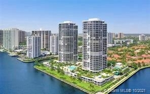 3 Bedrooms, The Waterways Rental in Miami, FL for $6,999 - Photo 1