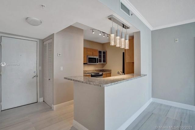 2 Bedrooms, Regina Square Rental in Miami, FL for $2,500 - Photo 1