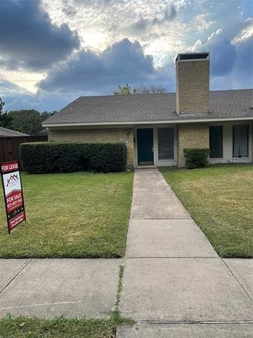 3 Bedrooms, Woodhaven Rental in Dallas for $1,800 - Photo 1
