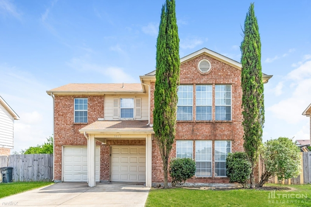 4 Bedrooms, Fort Worth Rental in Dallas for $1,799 - Photo 1