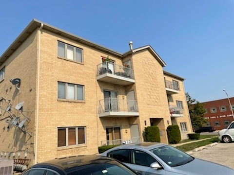 2 Bedrooms, Elmwood Park Rental in Chicago, IL for $1,495 - Photo 1