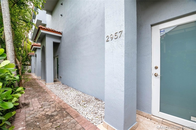 2 Bedrooms, Northeast Coconut Grove Rental in Miami, FL for $4,100 - Photo 1